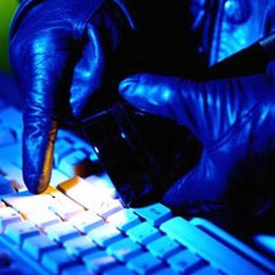 cyber_crime1_LHl15_3868